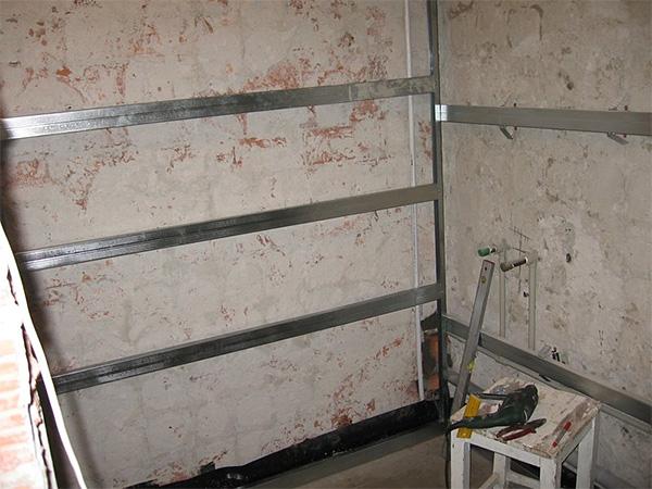 Установка пластиковых стеновых панелей своими руками 29